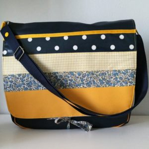 macouzinamoi-perros-guirec-sac-besace-grand-format-bleu-pois-fleurs-moutarde